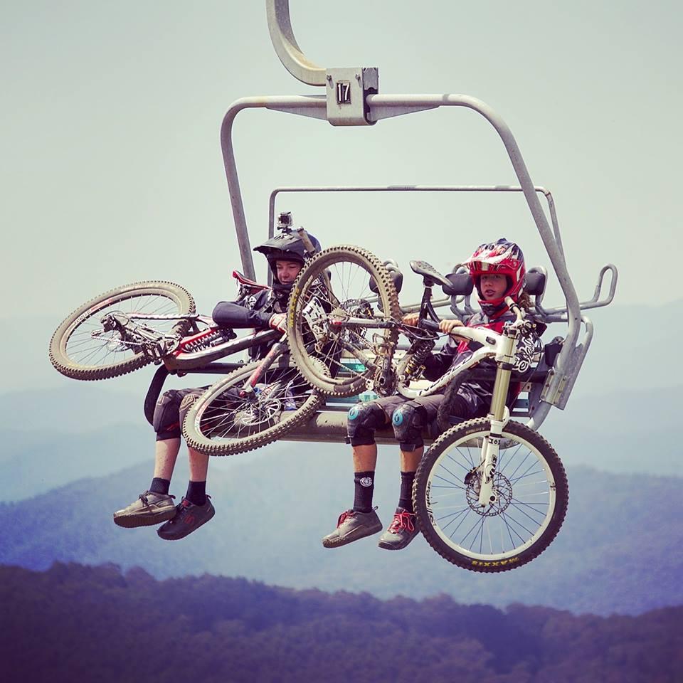 Гора Буллер, Австралийские Альпы вблизи Мельбурна, соревнования по фрирайду на горном велосипеде